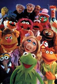 The Muppets posing for a cast and crew picture...!