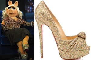 Miss Piggy can really work those shoes...you go girl!