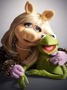 Miss Piggy and Kermit the Frog.... back together?